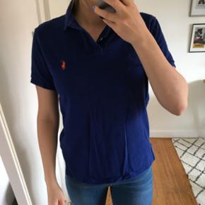 Polo fra Ralph Lauren i mørkeblå i str - Århus - Polo fra Ralph Lauren i mørkeblå i str S. Brugt få gange. Poloen er custom fit. Tjek også gerne mine andre annoncer. - Århus