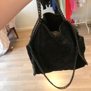 Propulær taske fra trendday. Np: 650,-  - Roskilde - Propulær taske fra trendday. Np: 650,- Mp: 200 Den har været brugt få gange.. nogen vil mene det er en stella replica✌