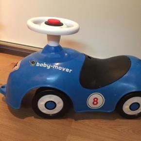 Baby-mover blå bil. Brugt. Men i god st - Esbjerg - Baby-mover blå bil. Brugt. Men i god stand. Lille rum under sædet til opbevaring. - Esbjerg