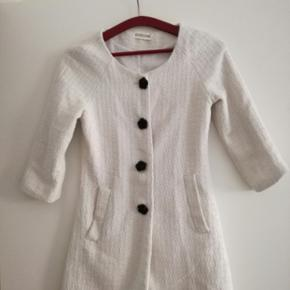 White cute coat - looks like new - Aalborg  - White cute coat - looks like new - Aalborg