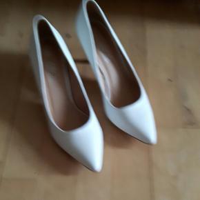 Helt ny hvid sko - Middelfart - Helt ny hvid sko - Middelfart