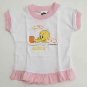 Skøn lille bluse til baby. Ny. Skal hen - København - Skøn lille bluse til baby. Ny. Skal hentes i Mørkhøj 2860 Søborg - København