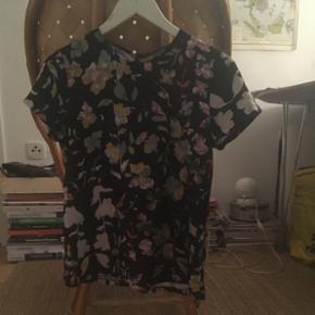 Floral satin blouse - København - Floral satin blouse - København