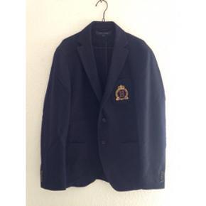 Feed jakke fra Tommy Hilfiger med logo p - København - Feed jakke fra Tommy Hilfiger med logo på lommen. Str 48 - København