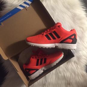 Helt nye Adidas sko, brugt 1 enkelt gang - København - Helt nye Adidas sko, brugt 1 enkelt gang. Str 38,5 - København