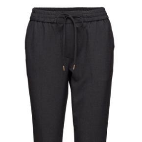 ONEUNIT bukser i koksgrå sælges. Har a - Århus - ONEUNIT bukser i koksgrå sælges. Har aldrig været brugt. Nypris 699 kr. - Århus