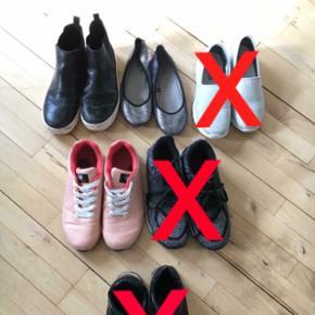 Sko sælges 50,- pr par :) - bagerste r? - Haderslev - Sko sælges 50,- pr par :) - bagerste række str 39. - lyserøde oill sko str 40. - Haderslev