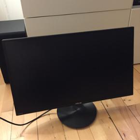 """Asus 24"""" VN247H LED monitor Nypris 1300k - Århus - Asus 24"""" VN247H LED monitor Nypris 1300kr Sælger min Asus computer skærm da jeg simpelthen ikke får den brugt. Som ny. Den er købt for 1-2 år siden og er blevet brugt max 10 gange. Kvittering haves desværre ikke. - Århus"""