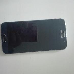 Samsung Galaxy S6 sort 32 GB 3 md. Gamme - Aalborg  - Samsung Galaxy S6 sort 32 GB 3 md. Gammel Original lader medfølger. Ikke brugt særlig meget da min mor har syntes den var for stor, da hun er vant til mindre tlf. - Kvittering medfølger (men er af første købte tlf men tlf blev tilbage send - Aalborg