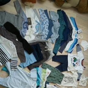 Blandet tøjpakk til baby dreng i str. 5 - Skanderborg - Blandet tøjpakk til baby dreng i str. 56-62 (1-3 måneder). Rigtig god stand, noget er helt nyt ☺ - Skanderborg