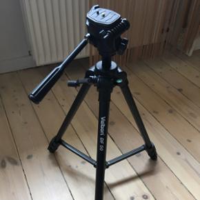 Kamerastativ fra Velbon. Modellen hedder - København - Kamerastativ fra Velbon. Modellen hedder DF-50, tripod. Der er libelle på, så man kan tjekke, at det står i vater. - København