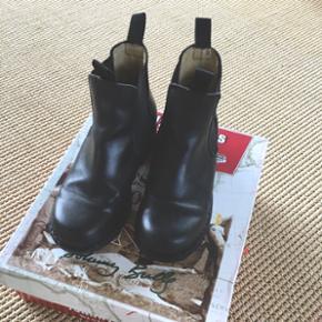 Fede støvler fra JOHNY BULLS meget god  - København - Fede støvler fra JOHNY BULLS meget god stan str 37 men lidt store i det det er rigtig læder !!! - København