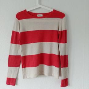 Sweatshirt, brand Reserved, size s, worn - Aalborg  - Sweatshirt, brand Reserved, size s, worn, color matches more on the second picture with the tag - Aalborg