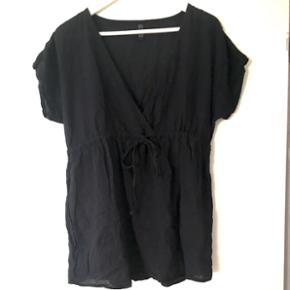Flot t-shirt/bluse. Størrelse small - København - Flot t-shirt/bluse. Størrelse small - København