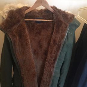 Sælger disse to vinterjakker da jeg ikk - Odense - Sælger disse to vinterjakker da jeg ikke bruger dem længere Gant jakke Super god stand, brugt sjældent! Dejlig varm pels invendigt med god isolation Str: XL Np: 4000 Mp: 2000 Represent oatmeal coat Con:9/10 Str : M Mp: 1,8 (kan forhandles) Kø - Odense