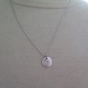 Aldrig brugt Sølv halskæde med en lill - København - Aldrig brugt Sølv halskæde med en lille sten i midten - København
