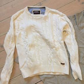 Sælger denne lækre sweater fra Bondeli - Helsingør - Sælger denne lækre sweater fra Bondeli, for en ven. Det er en str. M-L i drengestørrelse og fejler intet. BYD