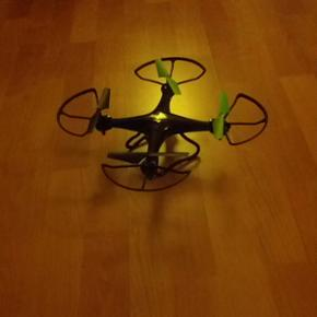 Drone 2 fast2fun, købt i legetøjskæde - Århus - Drone 2 fast2fun, købt i legetøjskæden for 499,- julegave som blev pakket ud af kassen og så har barnet fortrudt. Har kvittering. - Århus