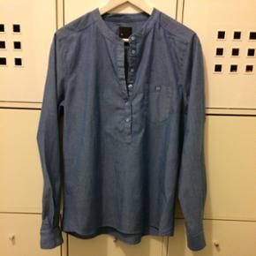Six Ames. Lækker blå bomulds-skjorte m - København - Six Ames. Lækker blå bomulds-skjorte med fine og diskrete detaljer. Str. 40. - København
