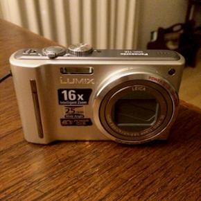 Panasonic Lumix DMC-TZ8 digital kamera i - København - Panasonic Lumix DMC-TZ8 digital kamera i sølv. Medfølger: USB-stik, oplader, batteri og et SD-kort på 2GB. - København
