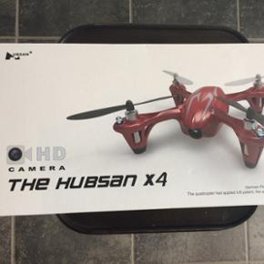 Drone med kamera Yderligere info: http:/ - Kolding - Drone med kamera Yderligere info: http://rcfun.dk/product/the-hubsan-x4-quadrocopter-med-kamera-roedsoelv-19980/?gclid=EAIaIQobChMIqo6G0ZS71QIVBSrTCh1WywuhEAkYASABEgL2efD_BwE Bud over 150 modtages