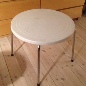 Round coffee table 20kr - København - Round coffee table 20kr - København