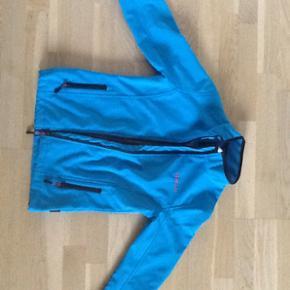 Vertical softshell jakke. Som ny. Str. 1 - Esbjerg - Vertical softshell jakke. Som ny. Str. 10 år. - Esbjerg
