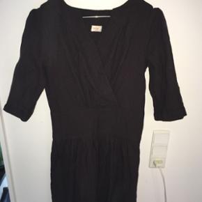Tynd uld kjole fra ganni, meget lidt bru - Århus - Tynd uld kjole fra ganni, meget lidt brugt - Århus