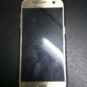 Samsung galaxy s7 Et halvt år gammel Fl - Aalborg  - Samsung galaxy s7 Et halvt år gammel Flækket skærm i højre hjørne. Fornuftige bud modtages - Aalborg