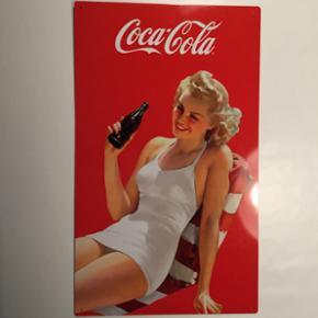 Coca cola metalskilt uden ridser og skra - Esbjerg - Coca cola metalskilt uden ridser og skrammer. Skiltet er 30x50 cm. Sælges for 100 kr. - Esbjerg