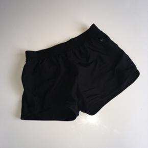 Sport shorts - elastik i liv. Str 134-14 - Holbæk - Sport shorts - elastik i liv. Str 134-140. Sort. Fejler intet - Holbæk