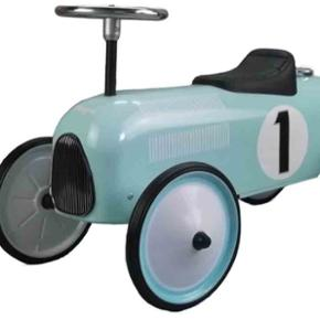 Bil til børn. Gå bil eller hvad det ka - Esbjerg - Bil til børn. Gå bil eller hvad det kaldes. Fin stand. Befinder sig i 6710. Har mobilepay. - Esbjerg