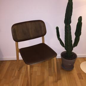 Hay, stol, Soft Edge Chair Wood Helt ny  - Århus - Hay, stol, Soft Edge Chair Wood Helt ny og ubrugt stol fra HAY. Model: Soft Edge Chair i røget og olieret eg. Designet af Iskos-Berlin for HAY. Flot stol i finér og massiv eg. Se mere her: https://www.bahne.dk/hay-soft-edge-spisebordsstil-olier - Århus