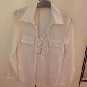 Gennemsigtig hvid skjorte str s - Esbjerg - Gennemsigtig hvid skjorte str s - Esbjerg