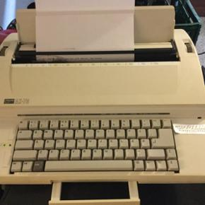 Elektronisk skrivemaskine model aX-70. V - Esbjerg - Elektronisk skrivemaskine model aX-70. Virker 100% iorden. - Esbjerg