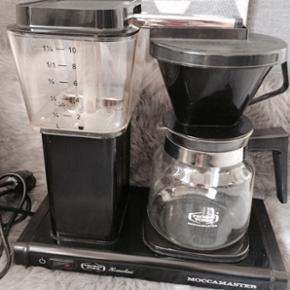 Moccamaster Kaffemaskine. Godt brugt, og - Helsingør - Moccamaster Kaffemaskine. Godt brugt, og det kan ses. Kunne også godt trænge til en afkalkning. Store brugsspor + kalk er i bunden af vandbeholderen og rundt om kanten på kanden - kan ikke ses udefra. Der er ganske almindelige brugspor run - Helsingør