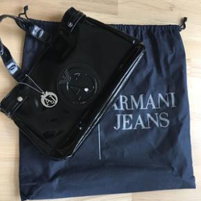 Armani Jeans taske , sort, størrelse l? - Aalborg  - Armani Jeans taske , sort, størrelse længde 40 og højde 28cm. - Aalborg