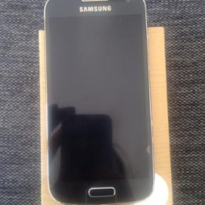 Rigtig fin Samsung Galaxy S4 mini med 8G - København - Rigtig fin Samsung Galaxy S4 mini med 8GB hukommelse. Den er ikke sim-låst. Coveret på bagsiden har aldrig været brugt da jeg har haft flipcover på så det er som nyt. Det originale folie er stadig på skærmen, så skærmen har ingen rid - København