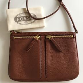 Fossil læder taske, helt ny og aldrig b - Århus - Fossil læder taske, helt ny og aldrig brugt. 25x16,5x2,5 - Århus