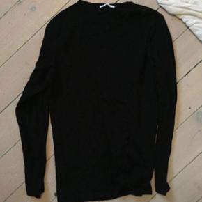 Sælger denne fine sorte trøje fra Sams - Helsingør - Sælger denne fine sorte trøje fra Samsøe Samsøe, for en ven. Det er en str M-L i drengestørrelse. BYD
