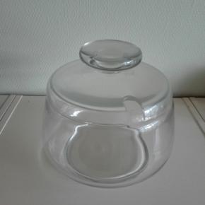 Glasbowle. Der er en lille fejl i kanten - Horsens - Glasbowle. Der er en lille fejl i kanten, men det er heldigvis uden betydning for smagen af indholdet. - Horsens