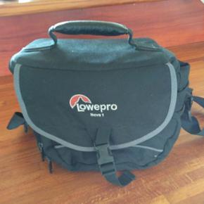 Kamera taske Lowepro Nova 1 - Århus - Kamera taske Lowepro Nova 1 - Århus