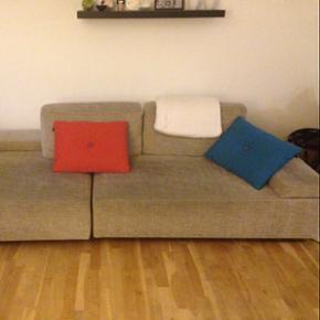 SOFA fra ILVA. 3-4 personers sofa i en b - København - SOFA fra ILVA. 3-4 personers sofa i en beige farve. Lavet af slidstærkt stof, som kan tages af og vaskes. Førpris 11.000. Udgået af sortiment. - København