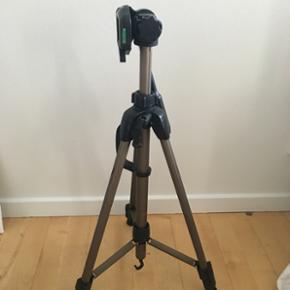 Kamera stativ sælges! Kan justeres i h? - Århus - Kamera stativ sælges! Kan justeres i højden - Århus