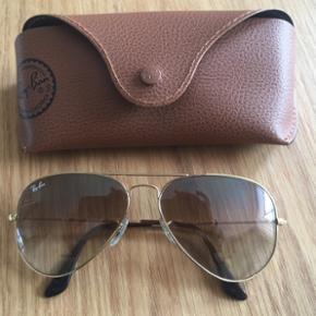 Rigtig fine Ray Ban solbriller Købt i p - Vejle - Rigtig fine Ray Ban solbriller Købt i profil Optik Brugt få gange - Vejle