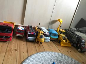 8 køretøjer fra carville - fin stand d - København - 8 køretøjer fra carville - fin stand de fejler ikke noget- lyd og andet fungere som de skal. Nummer 2 fra venstre (brandbil er væk) - København
