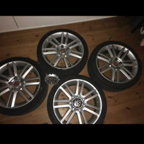 VW fælge 18 tommer, med nye dæk der ha - Horsens - VW fælge 18 tommer, med nye dæk der har kørt en sæson. 225/40 ET 43 5x112 - Horsens