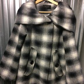 Vinterjakke sælges da jeg har for mange - Århus - Vinterjakke sælges da jeg har for mange jakker. BYD