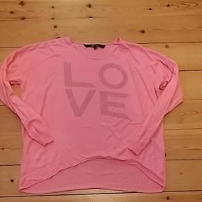 Shirt til piger, str.M fra Marc Lauge In - Billund - Shirt til piger, str.M fra Marc Lauge Ingen pletter Kan sendes eller afhentes i 6823 Skovlund. - Billund