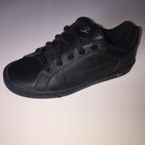 Nike str 35,5 - Roskilde - Nike str 35,5 - Roskilde